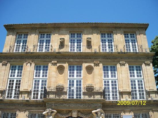 Pavillon de Vendome : Pavillon with all its detail