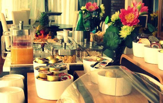 Hotel Miramonti: ricca e varia colazione a buffet
