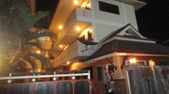 Baan Nam Sai Hotel: Our Room