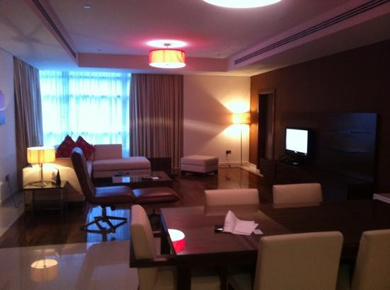 Fraser Suites Doha: living room