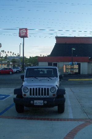 California Jeep in the parking of the Rest Haven Motel near the Jack in the Box