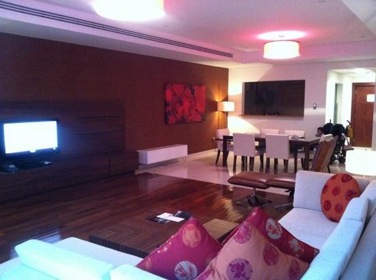 Fraser Suites Doha: z