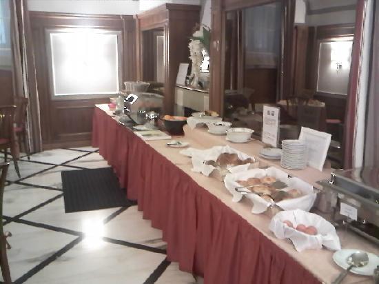 Hotel Arcangelo: desayuno buffet