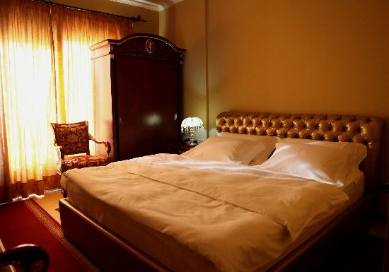 Dinasty Hotel: Guest Room