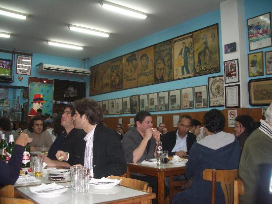 El Cuartito: Inside the restaurant