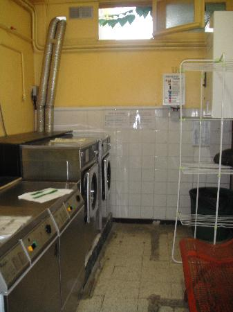 Auberge de Jeunesse Marseille-Bonneveine : laverie