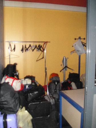 Auberge de Jeunesse Marseille-Bonneveine : bagagerie