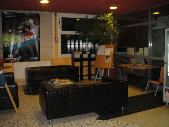 Hostel Marseille - Bonneveine: hall d'accueil