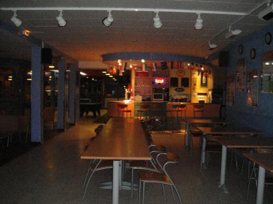 Hostel Marseille - Bonneveine: bar et salle de restauration