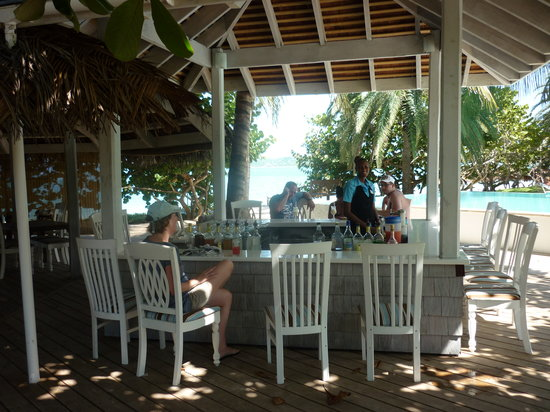 Coconut Beach Club: Bar