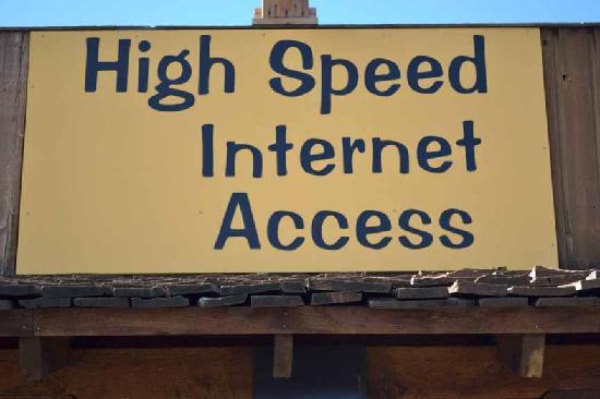 Livingston Inn Motel: Free High Speed Internet Access... Yes, Free!