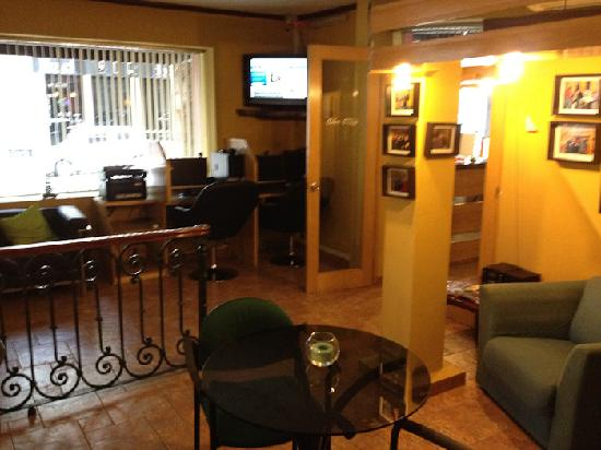 Hotel Iberia: common area