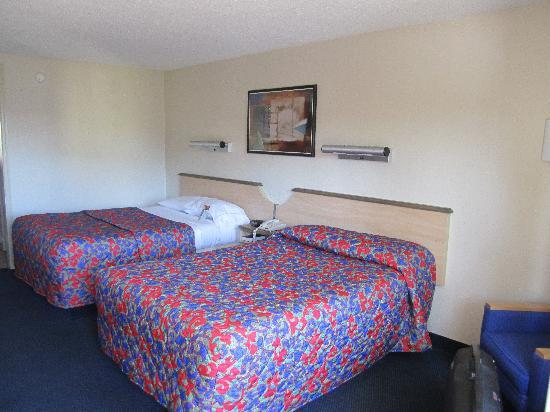 Red Roof Inn Somerset: Die Betten des Red Roof Inn