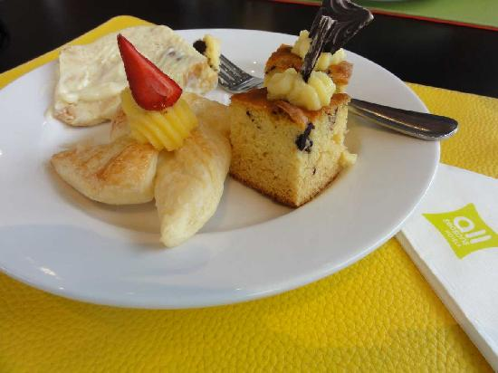 Ibis Styles Yogyakarta: Some of the desserts; loved the caramel pudding here