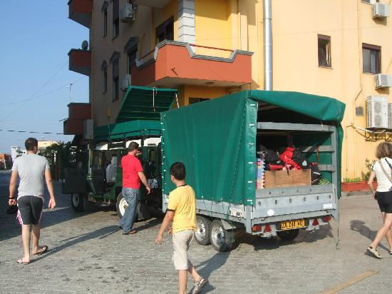 Defender 9 posti carrello porta bici e porta atrezzature - Carrello per bici porta cani ...