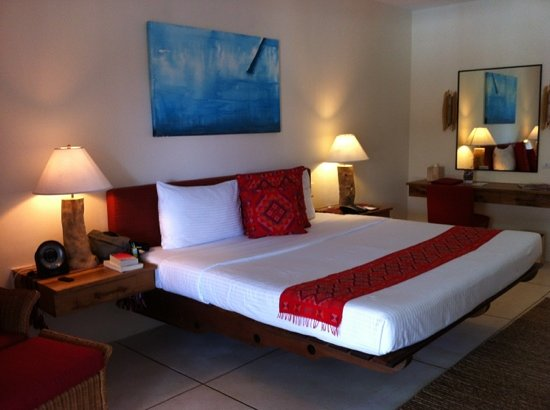 Bluewater Panglao Beach Resort : bedroom