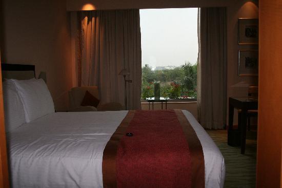 The Grand New Delhi: room