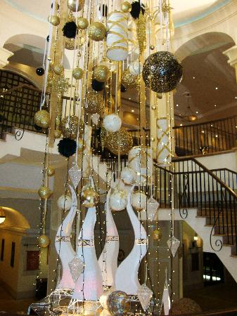 Christmas decorations - Picture of Elysium Hotel, Paphos - TripAdvisor