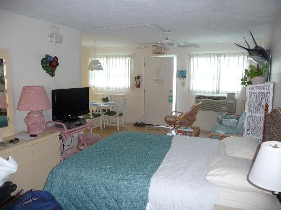 Continental Inn: Our room - 1