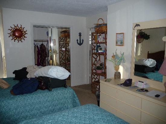 Continental Inn: Our room - 2