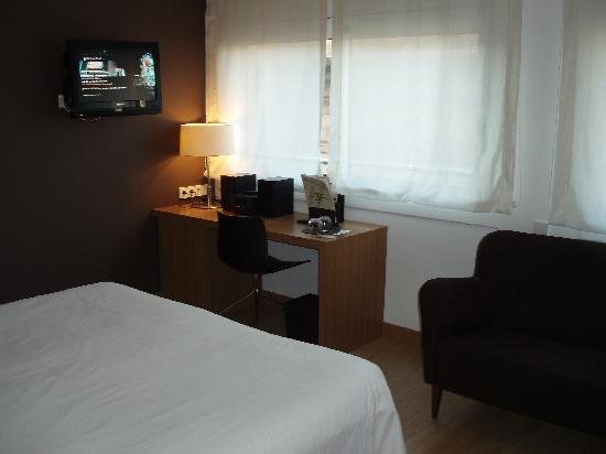 Hotel Montecarlo Barcelona: Room