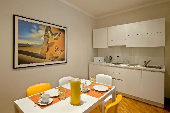 Scent of Rome: Flavia Apartment - Kitchen