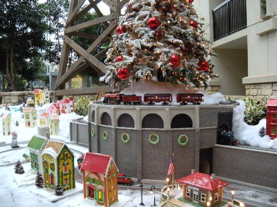 Christmas Train Display - Picture of Gaylord Texan Resort ...