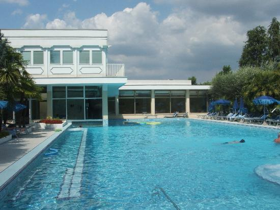Hotel Terme Metropole: piscina collegata all'interno
