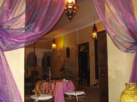 "Riad Suliman : The ""purple"" lounge"