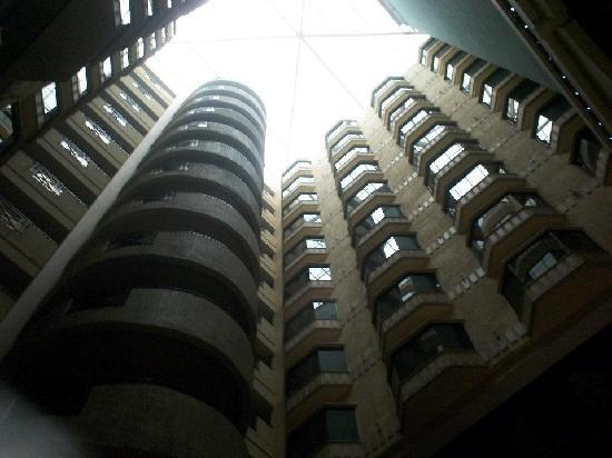 Krystal Monterrey: lobby central