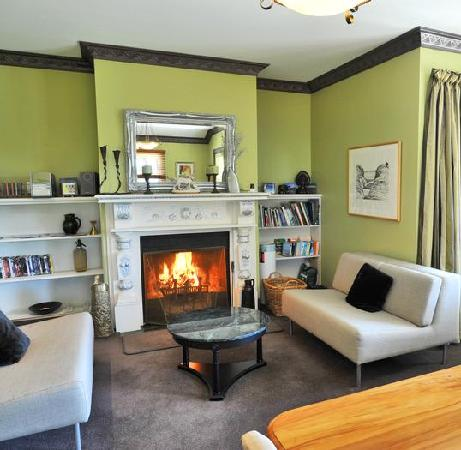 McCormick House Luxury Accommodation: Guest Lounge