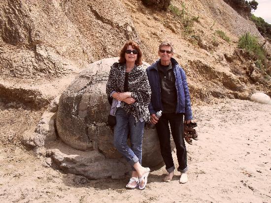 Tuscana Motor Lodge: Moeraki boulders