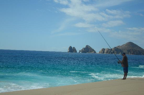 Hotel Riu Palace Cabo San Lucas: Fisherman on Beach