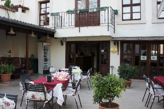 Reutlingen Hof Hotel: Terrace