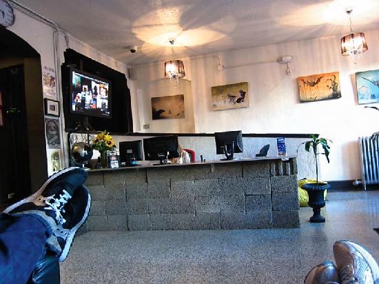 City Hostel Seattle: Lobby