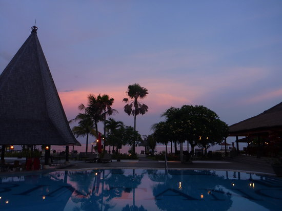 Kind Villa Bintang Resort & Spa: Beautiful sunset view