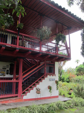 Finca Cafetera El Balso : The front of the building