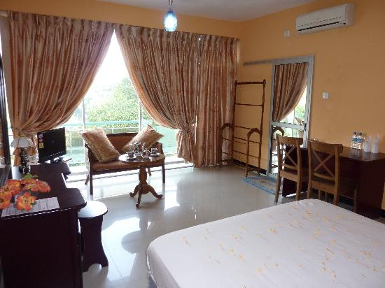 Sky View Hotel : Double bed room