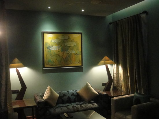 juSTa MG Road : lounge area