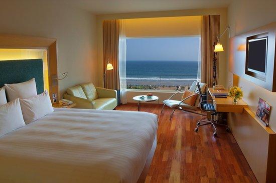 Novotel Visakhapatnam Varun Beach: My Room.