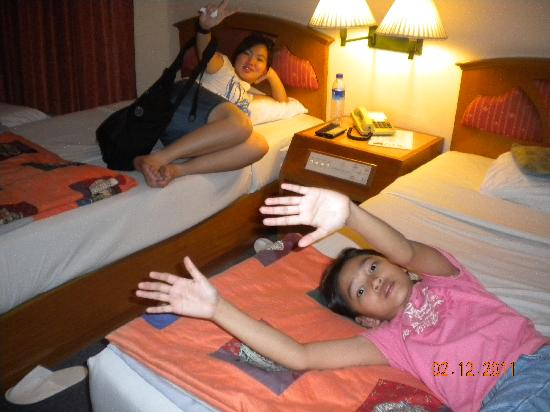 Bangkok City Inn: Kids in Room
