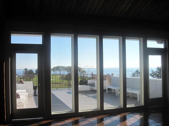Samoset Resort On The Ocean : Nice deck off lobby
