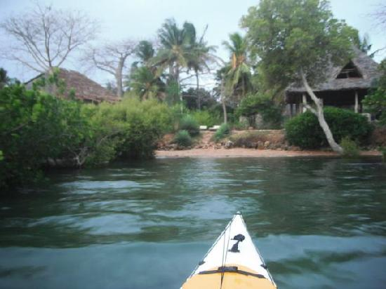 My arrival picture of chole foxes lodge, infrint of the lodge there is private beach.