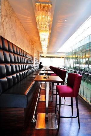 Healey's Bar and Terrace: Healey's Bar & Terrace