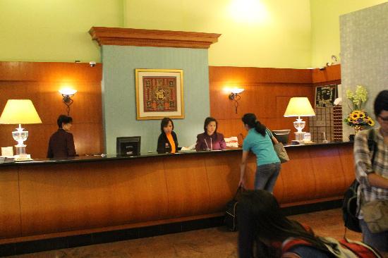 Strand Hotel: Hotel reception area
