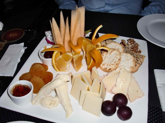 Barbarossa Restaurant & Lounge: cheese plate
