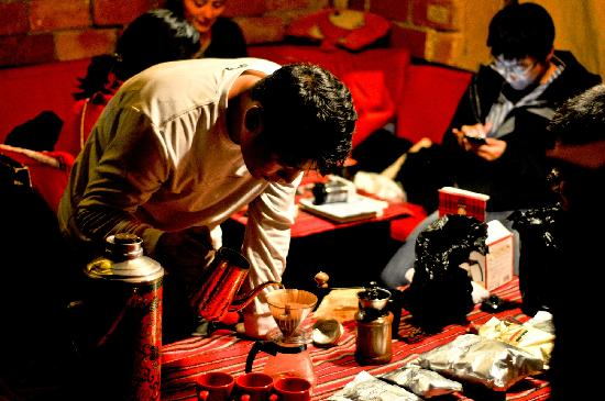 Spinn Cafe and Tours: Making coffees