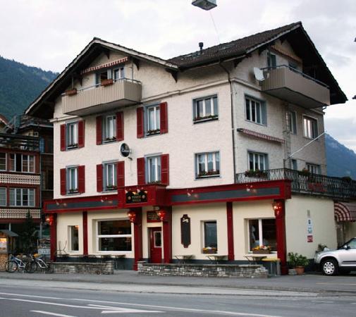 Hotel Tell and The 3 Tells Irish Pub