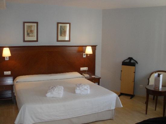 Golden Tulip Andorra Fenix Hotel : Habitación superior
