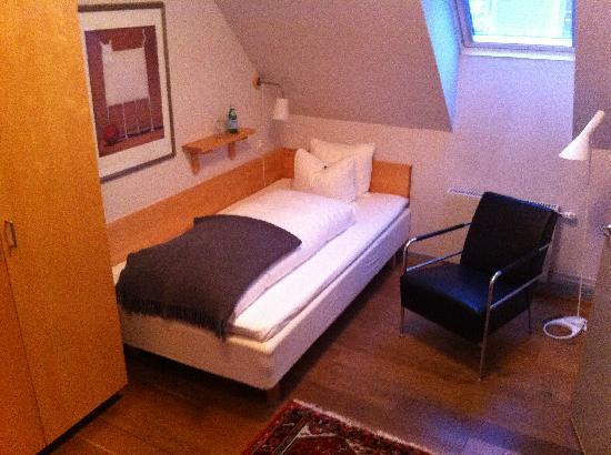 هوتل أوسكار: Room 203 view 1